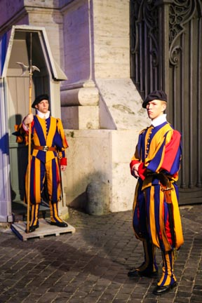 9.Vatican Guards.1
